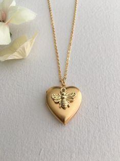 Red Jewelry, Cute Jewelry, Jewelery, Jewelry Accessories, Vintage Jewelry, Jewelry Necklaces, Fashion Jewelry, Jewelry Shop, Etsy Jewelry