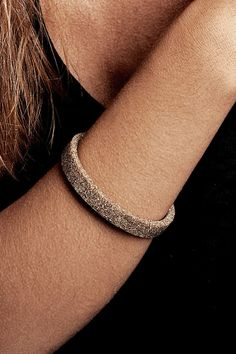 Thease Bracelet Simple in Nutural color.