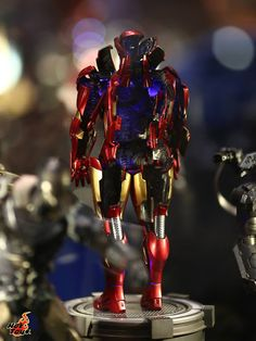 Iron Man Suit-up in Movies & Open Armor Version in 1/6 from Hot Toys