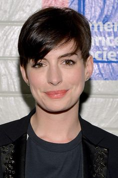 Anne Hathaway works it with and without bangs