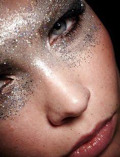 #eye #paillettes #makeup #réveillon #saintsylvestre