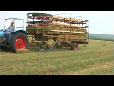 Case CS150 Lifting Small Bales. - YouTube
