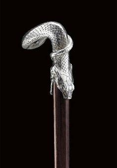 Snake Cane Handle. Rene Lalique (1860 -1945) Circa 1908 -1917. Silver. 9cm (3.52 inches).