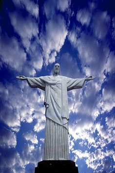 one day i will visit BRAZIL.....if only to take a picture of this....