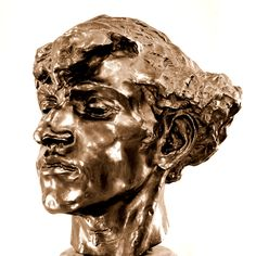 Giganti ou Tête de brigand par Camille CLAUDEL (1864-1943) vers 1885. Bronze, Fonte vraisemblable Gruetl, avant 1892. Musée Camille Claudel à Nogent-sur-Seine. Photo : Hervé Leyrit © Bronze Sculpture, Abstract Sculpture, Sculpture Art, Sculpture Portrait, Camille Claudel, Auguste Rodin, Musée Rodin, Henry Moore Sculptures, Nogent Sur Seine