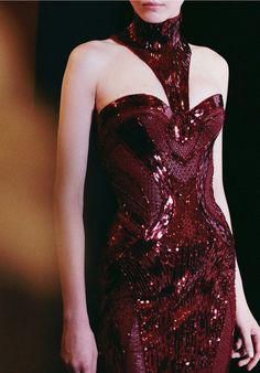 CoCo is Haute - candentia: Atelier Versace F/W Backstage Couture Fashion, Runway Fashion, High Fashion, Womens Fashion, Gq, Shades Of Burgundy, Burgundy Wine, Burgundy Color, Burgundy Gown