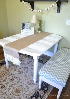 use glaze to add stripes to furniture #furniture #table #stripes