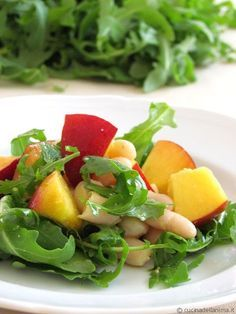 Peach, rocket and cannellini salad - Dieta Vegetariana Vegetarian Healthy Diet Recipes, Keto Recipes, Paleo Diet, Healthy Weight, Italian Recipes, Clean Eating, Food And Drink, Cooking, Atkins 20