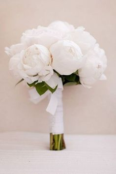 Flower Guide: Peonies White peonies for your bridal bouquet The peony couldn't be more perfect for a wedding; it symbolizes a happy marriage, good health, and prosperity. White Wedding Bouquets, Bride Bouquets, Floral Wedding, Peony Bouquet Wedding, Trendy Wedding, Bridesmaid Bouquet White, Wedding White, Burgundy Wedding, Perfect Wedding