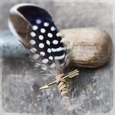 This handsome boho boutonniere features neutral feathers, a bronze-tone arrow, and a rustic twine wrap. So handsome, and loaded with bohemian charm. It is approx. 3 inches wide, and 5 1/2 inches long. Light weight - can even be worn on a shirt for the casual groom, or groomsmen. It attaches with a Hipster Wedding, Boho Wedding, Wedding Ideas, Wedding Stuff, Wedding Flowers, Dream Wedding, Bohemian Weddings, Wedding Inspiration, Wedding 2017