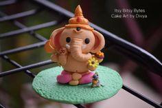 Fondant Cake Topper-Lord Ganesha - Cake by Divya Haldipur Clay Ganesha, Ganesha Painting, Ganesha Art, Lord Ganesha, Arti Thali Decoration, Mandir Decoration, Ganapati Decoration, Ganesha Pictures, Ganesh Images