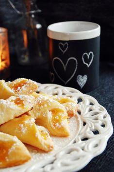 Marmeladestangerl aus Topfenteig - Schürzenfräulein - Kochschürzen in trendigem Vintagelook Austrian Recipes, Biscotti, Macaroni And Cheese, Bakery, Sweets, Breakfast, Ethnic Recipes, Party, Sweet Desserts