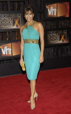 Where can I find Eva Longoria's green and gold halter dress? Dress – Monique Lhuillier Dress  Shoes – Christian Louboutin