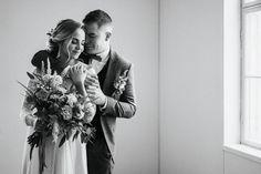 Boheemit talvihäät – stailattu hääkuvaus Epaalan Anselmilla Couple Photos, Couples, Couple Shots, Couple Photography, Couple, Couple Pictures