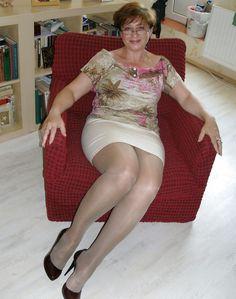 Mature Leg Tub 59