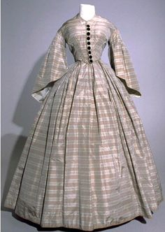 A Polly dress! Coveted by Lucy. Two-piece dress, American, circa Plaid silk taffeta with black velvet trim. Via Museum of the Fashion Institute of Technology. Vintage Dresses, Vintage Outfits, Vintage Fashion, Victorian Dresses, Victorian Fashion, Civil War Fashion, Civil War Dress, Silk Taffeta, Period Outfit