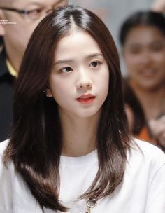 The Kim Family got backup and for saving their business Mr Kim agree for marry he's both daugther to Manoban Family and Prak Family. I am so sorry , there alot of typo please forgive me :(( Blackpink Jisoo, Kpop Girl Groups, Korean Girl Groups, Kpop Girls, Forever Young, Black Pink ジス, Blackpink Members, Blackpink Photos, Jennie Lisa