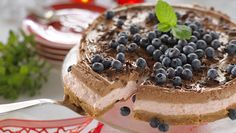 Cheesecake med lingon och choklad