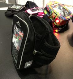 Armpocket Nighthawk armband - perfect  for holding your iPhone/iPod in place while you run, and safety lights too!
