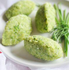Quenelles de légumes au fromage pour bébé de LACTEL. Plus de recettes pour bébé sur www.lactel.fr/nos-recettes/toutes-nos-recettes-pour-bebe?utm_source=Pinterest_EDBM&utm_medium=EDBM_Pin&utm_campaign=Recettes_Lactel