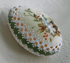 Hello to you :) As in the title - I did not go crazy, but I do Easter eggs, now in summer . Cool Easter Eggs, Ukrainian Easter Eggs, Easter Art, Egg Crafts, Easter Crafts, Egg Shell Art, Carved Eggs, Easter Egg Designs, Coloring Easter Eggs