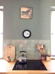 √ Stunning Acrylic Kitchen Splashbacks Decor Ideas That Will Amaze You In 2019 Read more ideas around Kitchen white, Kitchen ideas and Home ideas. Stone Kitchen, Glass Kitchen, Rustic Kitchen, New Kitchen, Kitchen Decor, Kitchen White, Acrylic Kitchen Splashbacks, Kitchen Splashback Tiles, Splashback Ideas