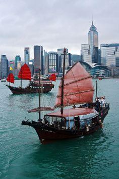HK Junks in Victoria Harbour
