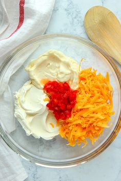 Pimento Cheese Spread Recipe made with chopped pimento peppers, shredded cheddar cheese, cream cheese and mayo. Quick and easy as cracker topping or sandwich filling for your next party! Pimento Cheese Sandwiches, Pimento Cheese Recipes, Palmetto Cheese, Boat Food, Sandwich Fillings, Sandwich Spread, Cheese Spread, Keto Recipes