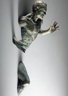 Ontsnapte bronzen beelden