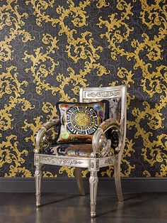 The Versace Baroque Floral Trail Wallpaper features multiple textures and finishes for added depth which will add a truly luxurious feel to your home. Free UK delivery available Versace Bedroom Wallpaper, Luxury Wallpaper, Damask Wallpaper, Designer Wallpaper, Metallic Wallpaper, Versace Casa, Versace Home, Baroque, Versace Furniture