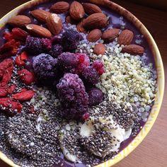 Açai bowl with banana, gogi berry, almond, frozen berries, hemp hearts & chia seeds.