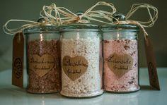 3 Awesome DIY Kitchen Organization Ideas for You Homemade Beauty, Homemade Gifts, Diy Beauty, Diy Gifts, Belleza Diy, Savon Soap, Handmade Cosmetics, Diy Presents, Diy Spa
