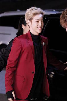 He is precious💙 © Mark Point Yugyeom, Youngjae, Mark Bambam, Got7 Mark Tuan, Jaebum, Jinyoung, Suits Korean, Taehyung, Got7 Members