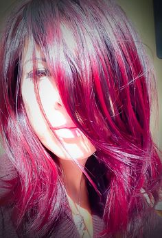 Hair red purple Elumen Goldwell RV - All For Hair Color Trending Ginger Hair Color, Hair Color Purple, Red Purple, Hair Colors, Burgundy, Elumen Hair Color, Hair Color Balayage, Red Violet Hair, Blue Hair