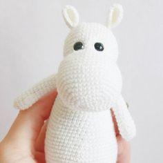 Amigurumi Moomin troll crochet pattern