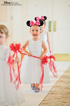 This goes down in history as one of the cutest Disney flower girls we have ever seen #Disney #wedding #flowergirl