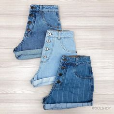 Women S Fashion And Retail Magazine Mom Jeans Shorts, Shorts With Tights, Casual School Outfits, Cute Casual Outfits, Jean Short Outfits, Short Jeans, Ropa Interior Calvin, Look Con Short, Shorts Outfits Women