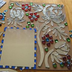 Mosaic ideas - the creative stage Mosaic Artwork, Mirror Mosaic, Mosaic Glass, Mosaic Tiles, Glass Art, Mosaics, Stained Glass, Blue Mosaic, Mirror Mirror