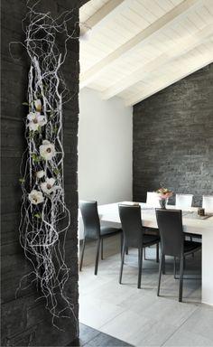 Manhattan Beach Holiday Home by Kylie Chevalier Photography Deco Floral, Floral Design, Branch Decor, Wall Decor, Tableau Design, Modern Flower Arrangements, Ikebana, Flower Designs, Flower Art