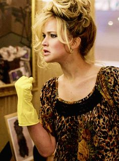 American Hustle this scene where she is dancing and cleaning in her home is so NORMAL to me.