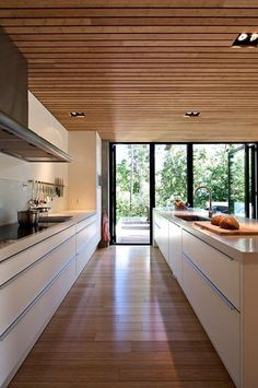 20 Stunning Basement Ceiling Ideas Are Completely Overrated : It is pretty easy to implement your brilliant ideas. You can only choose which idea you like the most, then your basement would be the most comfortable living space. Timber Ceiling, Wooden Ceilings, Basement Ceiling Options, Ceiling Ideas, Basement Ideas, Plafond Design, Best Kitchen Designs, Cuisines Design, Ceiling Design