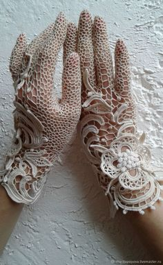 """I propose to make gloves """"Ligne de fleurs"""" to order . Choose the size and shade at will! Write me a message about your choice of colors and size if they are not in the table . The photo shows ivory gloves. Crochet Gloves Pattern, Crochet Motifs, Crochet Slippers, Thread Crochet, Filet Crochet, Irish Crochet, Lace Patterns, Crochet Patterns, Rose Shabby Chic"""