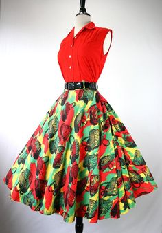 I like these colors.Vintage 50s Dress Set Blouse Full Skirt Novelty Print Baskets Red Black Yellow Green Neat Seaming Shirt Front 1950s Dresses Skirts Blouses
