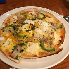 豆腐とゴーヤのピザ