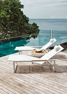 Royal Botania Ninix designer sun lounger, designed by Kris Van Puyvelde. Fully adjustable lounger with hidden wheels available in a range of colour finishes, with optional cushions for ultimate luxury. Part of the extensive Ninix luxury stainless steel garden dining and lounge furniture collection.