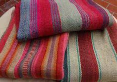 Mantas Tejidas En Telar DESDE ADENTRO DECO Textiles, Bolivia, Wool Blanket, Bento, Textile Art, Linen Fabric, Fiber Art, Lana, Weaving