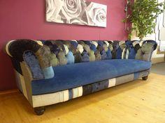 Chesterfield Sofa Modell Elizabeth Patchwork Blau. www.kippax-sofas.de/elizabeth.htm