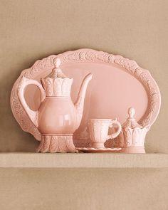 Ana Rosa - China tea set in pink.