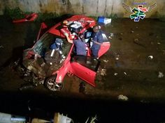 Durban - Police are investigating if illegal drag racing had caused the death of three people when two cars collided on Umgeni Road on Saturday night. Educational News, Drag Racing, South Africa, Paramedics, Saturday Night, Police, Death, Cars, Autos