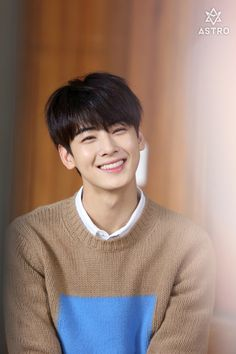 Awww His Smile ~Eunwoo